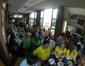 El Tambo promove feijoada durante jogo do Brasil