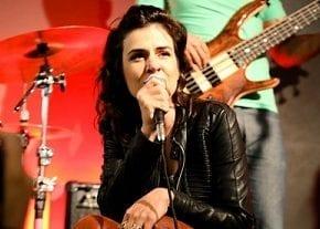 """Mariana Aydar participa de """"Sons que Tocam / Corsini Cultural"""""""