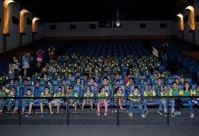 Crianças carentes curtem a magia do cinema no Kinoplex