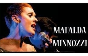 Mafalda Minnozzi faz show para Casa de Repouso Bom Pastor