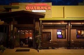 Outback Steakhouse e Rally dos Sertões promovem jantar beneficente