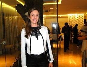 Mariane Coelho inaugura Villa Delikatessen Buffet